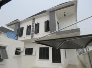 4 bedroom semi-detached duplex for sale