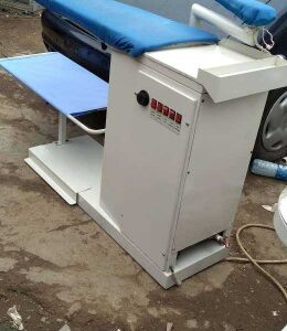 Finishing table with boiler