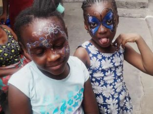 Face painting in Ibadan