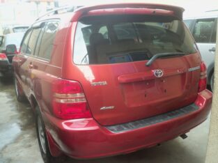 Toks 2003 Toyota Highlander (4-cylinders) Extra Clean In And Out