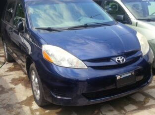 Toyota sienna model for sale