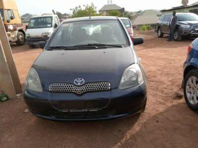 Clean Toyota Yaris 2004 model for sale